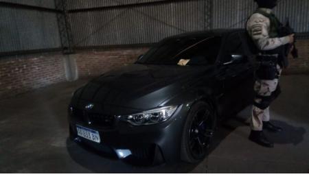 Megaoperativo por lavado: Cinco detenidos, secuestro de autos de alta gama y 6 millones de pesos