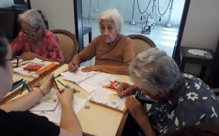 Cinco abuelos de entre 84 y 91 años terminaron la primaria y ahora anhelan poder hacer la secundaria