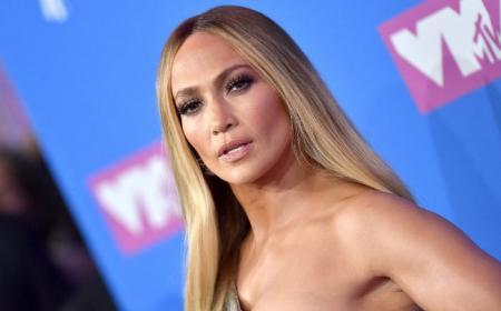 Jennifer Lopez colapsa las redes con su sexy posado en bikini