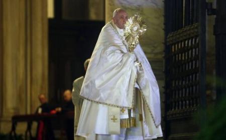 """El papa Francisco otorgó una indulgencia por la pandemia del coronavirus: """"Nos sorprendió una tormenta y en esta barca estamos todos"""""""