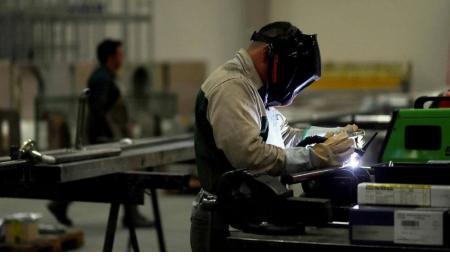 Pymes: producción industrial se desplomó 53,1% en abril