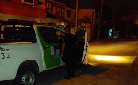 Mujer policía recibió un botellazo durante un procedimiento en una fiesta clandestina