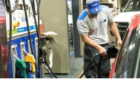 En todo el país: YPF aumentó el precio de los combustibles un 2,5%