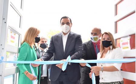 Valdés inauguró refacciones de una escuala y un jardin en Ituzaingó